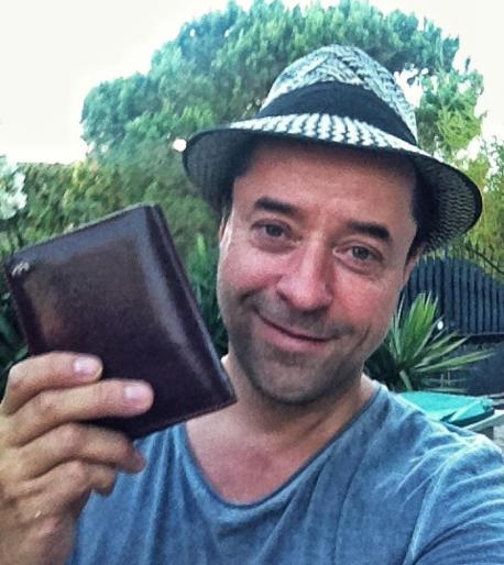 Ohne Zwischenfälle konnte Jan seinen Urlaub nicht genießen. Zum Glück gab ihm eine ehrliche Finderin seine liegengebliebene Geldbörse zurück.