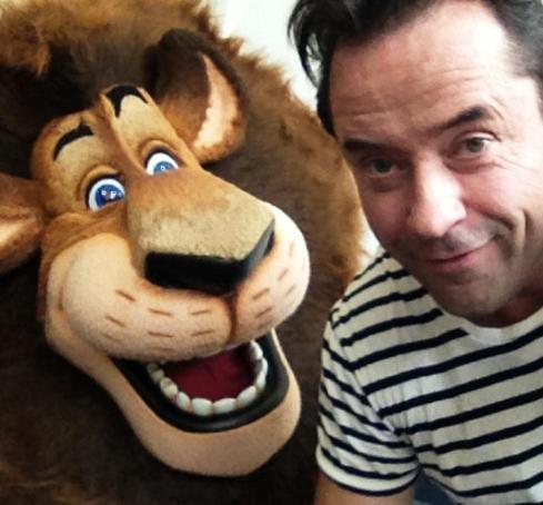 Am 2. Oktober startete Madagascar 3 in den deutschen Kinos und wieder lieh Jan dem Löwen Alex seine Stimme.