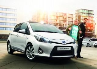 Im Juni startete die Toyota-Promotion mit Jan Josef Liefers und Axel Prahl. TV-Spots, eine Werbe-Tour und ein lustiges Internet-Gewinnspiel sorgten für Unterhaltung.