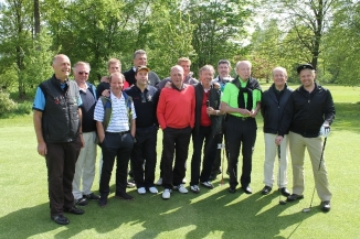 Golfen für einen guten Zweck: Im Mai wird Jan zum Schirmherrn des 1. Münsteraner Tatort-Golf-Cups. Der Erlös geht an die NCL-Stiftung.