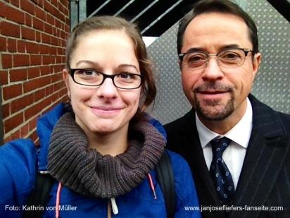 6. November: Das Tatort-Team dreht in Münster und die Stadt steht Kopf. Und unsere Kathrin war dabei. :D (Artikel und Bildergalerie: https://janjosefliefers-fanseite.com/2014/11/05/impressionen-von-den-tatort-dreharbeiten-zu-erklare-chimare/)