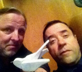 Anfang Juli haben Jan und Axel zusammen den Soundtrack Deutschland gedreht und dabei eine MENGE Unsinn angestellt... :D Foto: Axel Prahl auf Facebook