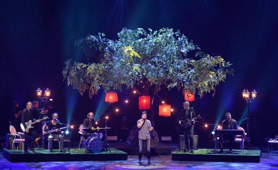 """Radio Doria bei Stefan Raabs letztem Bundesvision Song Contest mit """"Sehnsucht Nr. 7"""". Am Ende gab es einen strahlenden Jan und einen wohlverdienten 4. Platz."""