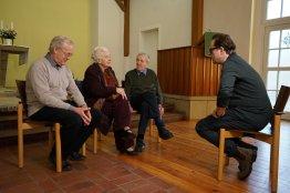 Am 31. Januar führte Jan Josef Liefers Zeitzeugengespräche in Lobetal bei dem Pfarrer, der 1990 das Ehepaar Honecker in seinem Pfarrhaus aufnahm. Link: https://www.facebook.com/lobetal/posts/2749055805176358?__xts__[0]=68.ARBip3xAQQPib_90NWyDHLg6aHTywKmKytQsiPWgveUohx74ys4-T030cXqHbj9dTTQPkoz2LgjWZ-q2tZGkvvZao2ApAafY0L4a87HQ4fp-fV-1OZeauy7SI-1QpoI0u22RO0gdXjvSB1rnGyL342vOp-a4Zw7NV1EVy1ChFOmCv4qy3gmUjI5xl352Qg3O0BLqJc89V8YI84fiPIJJKPVLfJk2rSLS695x0GzCbtUFw00r9ChfpjRqyl3FKM9b7KeGc6dUaK4_XZlNnhHc0O0rM1cmJnJu9ommqiFY5Cr6AGb1_UDjBy5BjM5ZImuvtR6O4mkcfrE5kK-IZKDEU-kMEQ&__tn__=-R
