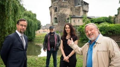 """Drehstart unter Coronabedingungen: im Juni standen Thiel und Boerne für den Tatort """"Es lebe der König"""" vor der Kamera."""